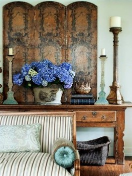 What Every Room Needs : How to Decorate Luxuriously