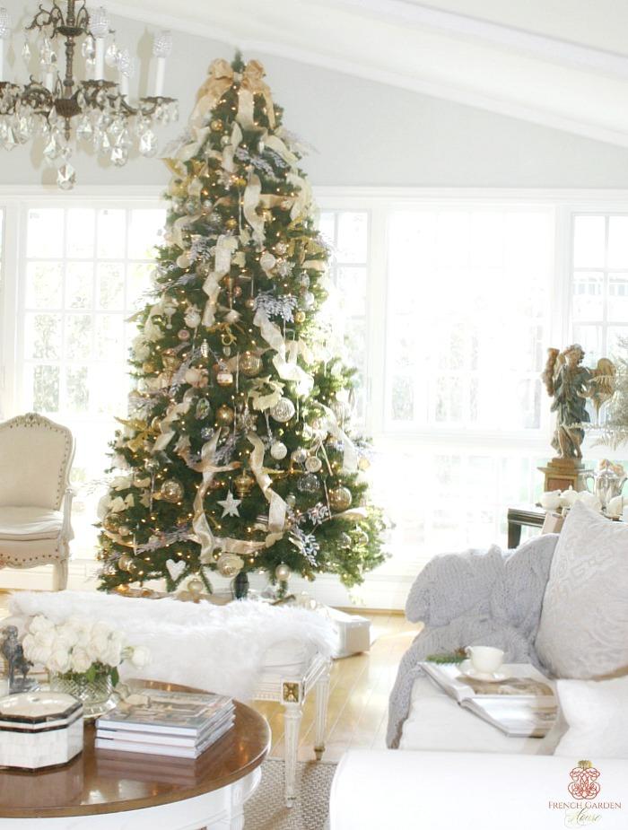 Cherish the Little Things This Holiday Season