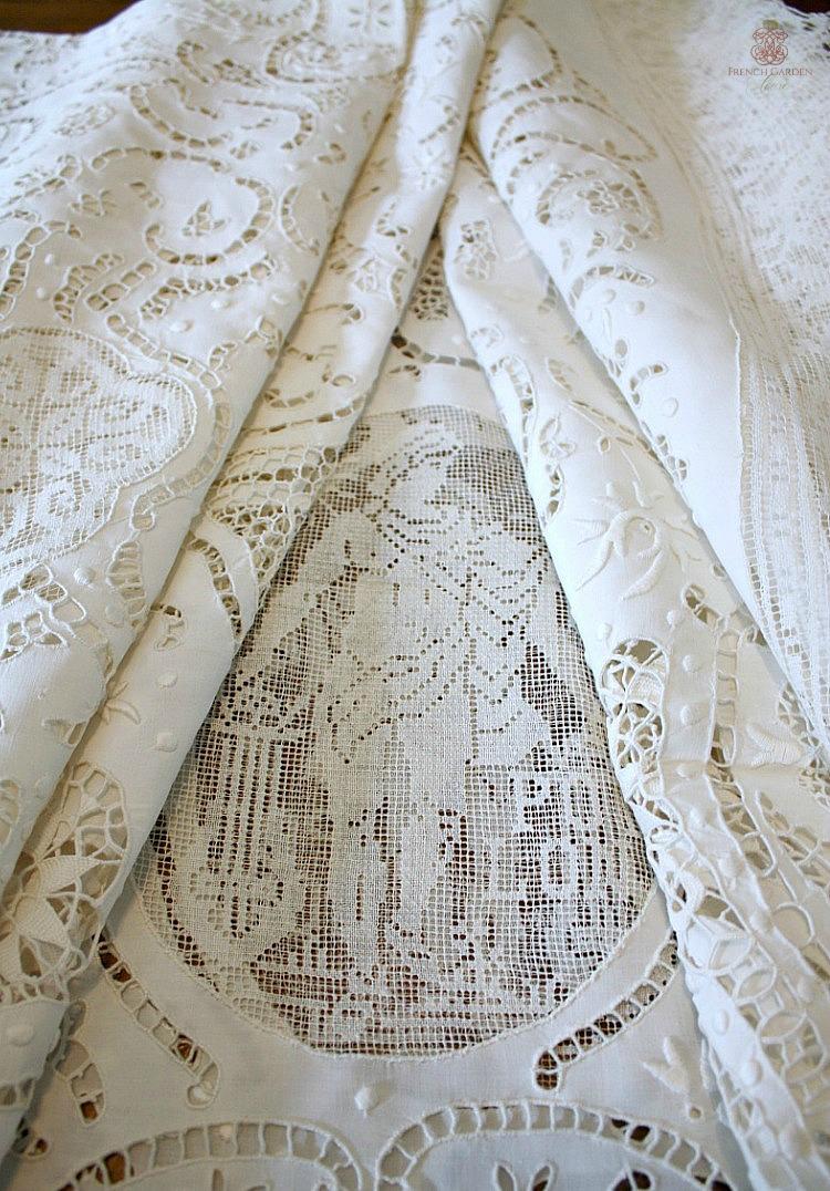Antique Lace figural Italian Tablecloth