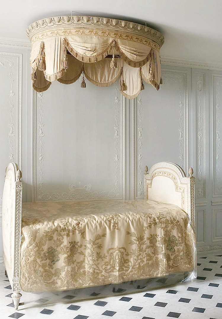 tassels in French Versailles