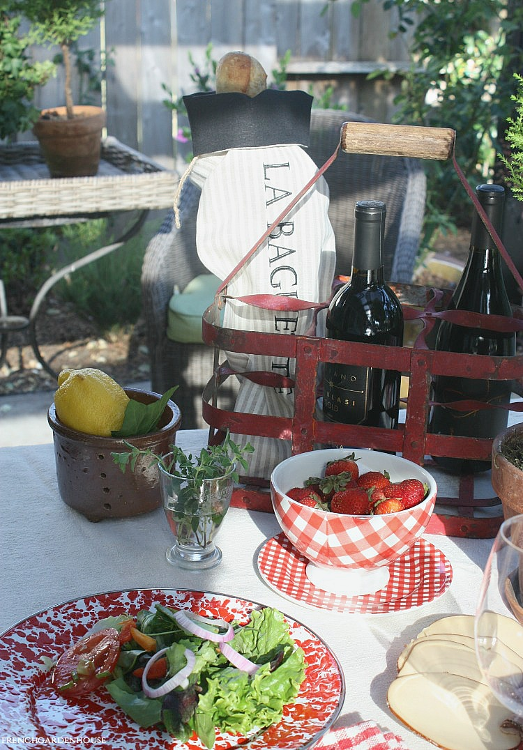 HOW TO PLAN THE PERFECT FRENCH PICNIC