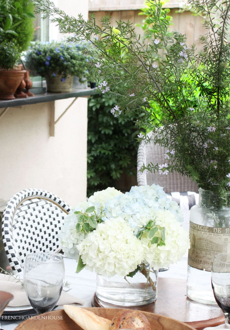 summer table for french dinner