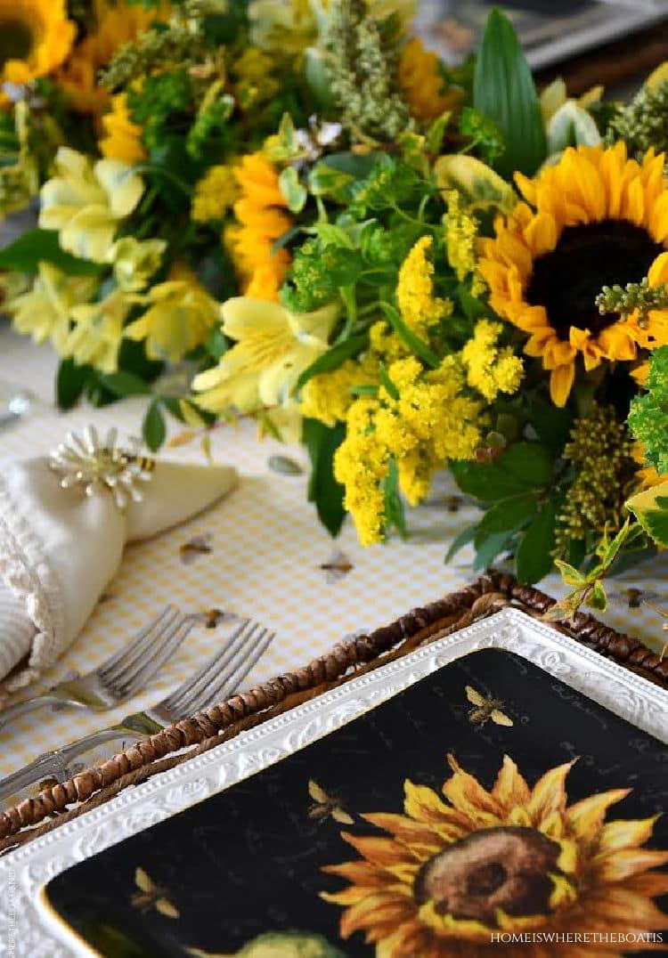sunflower table setting