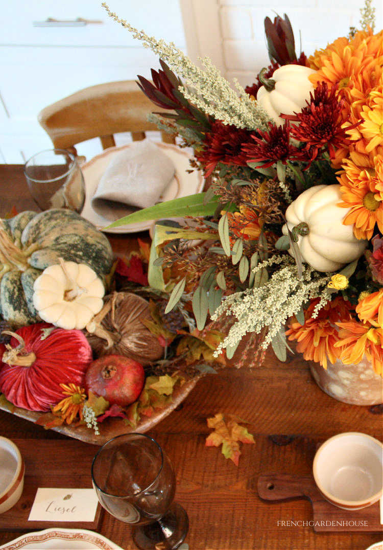 pumkins and flowers