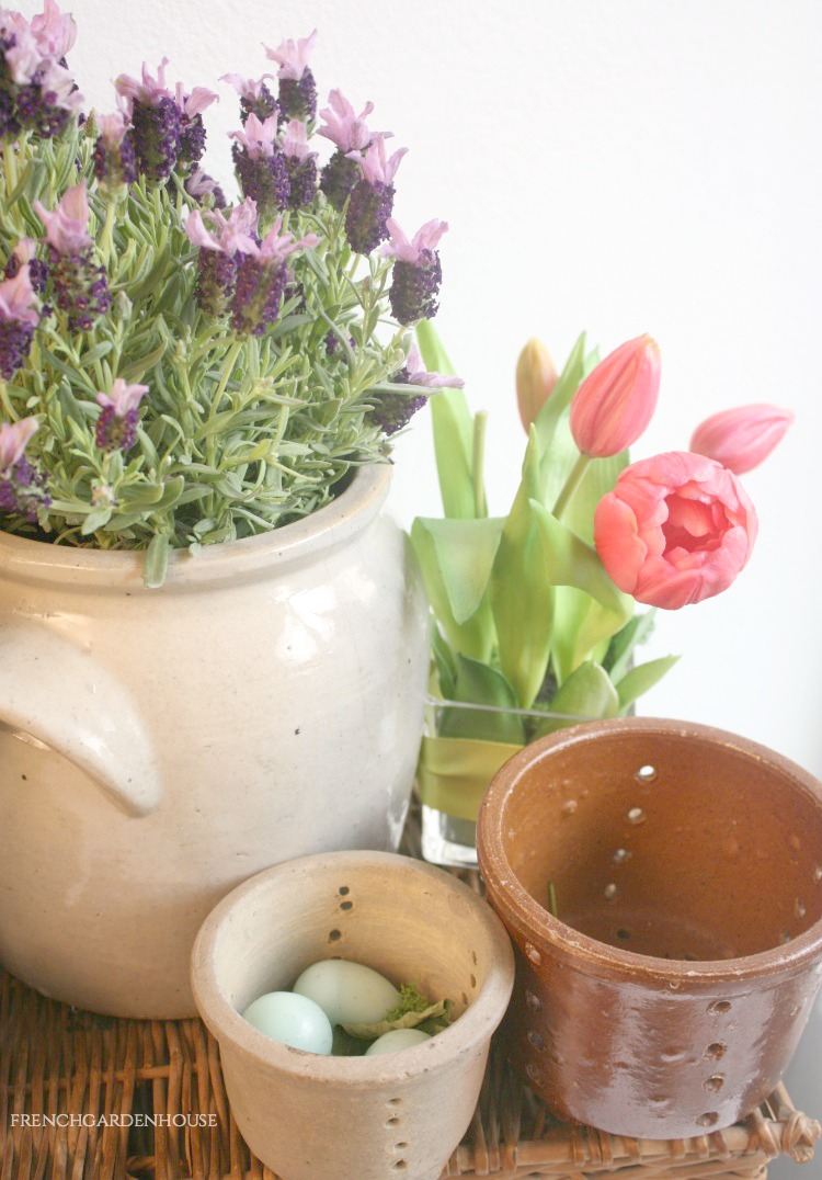 Large French preserving pot with tulips