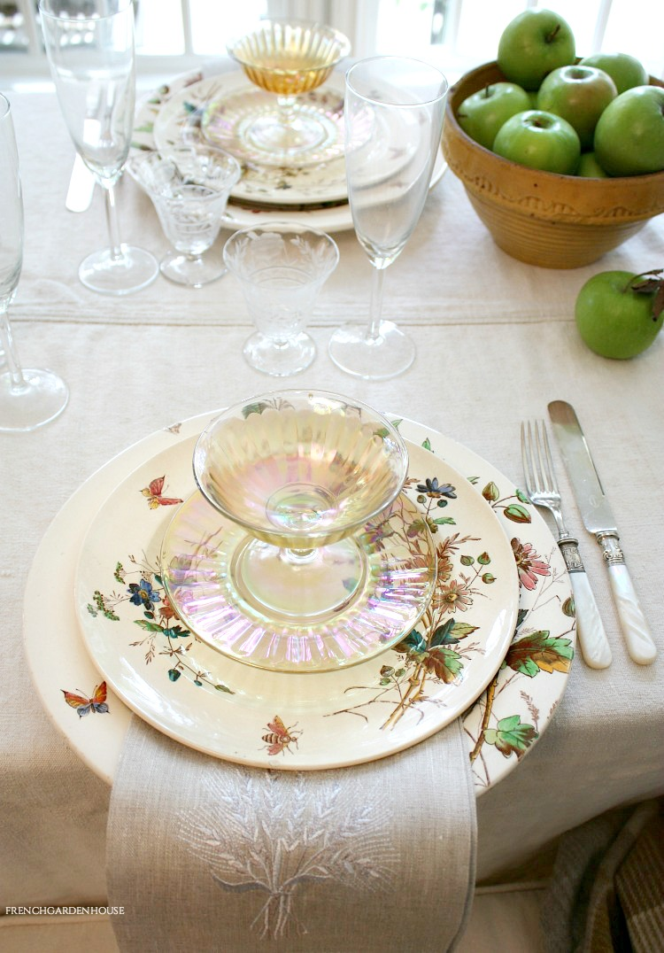 DESIGN AN AUTUMN INSPIRED TABLE