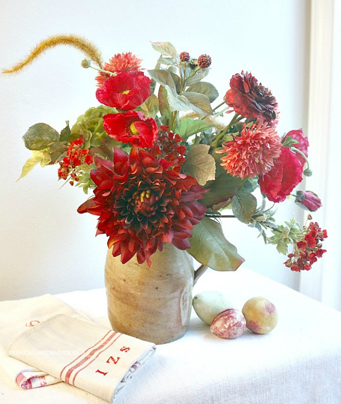 DECORATE FOR AUTUMN WITH FAUX FLOWERS