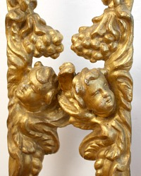 18th Century French Baroque Gilt Wood Angels Pair