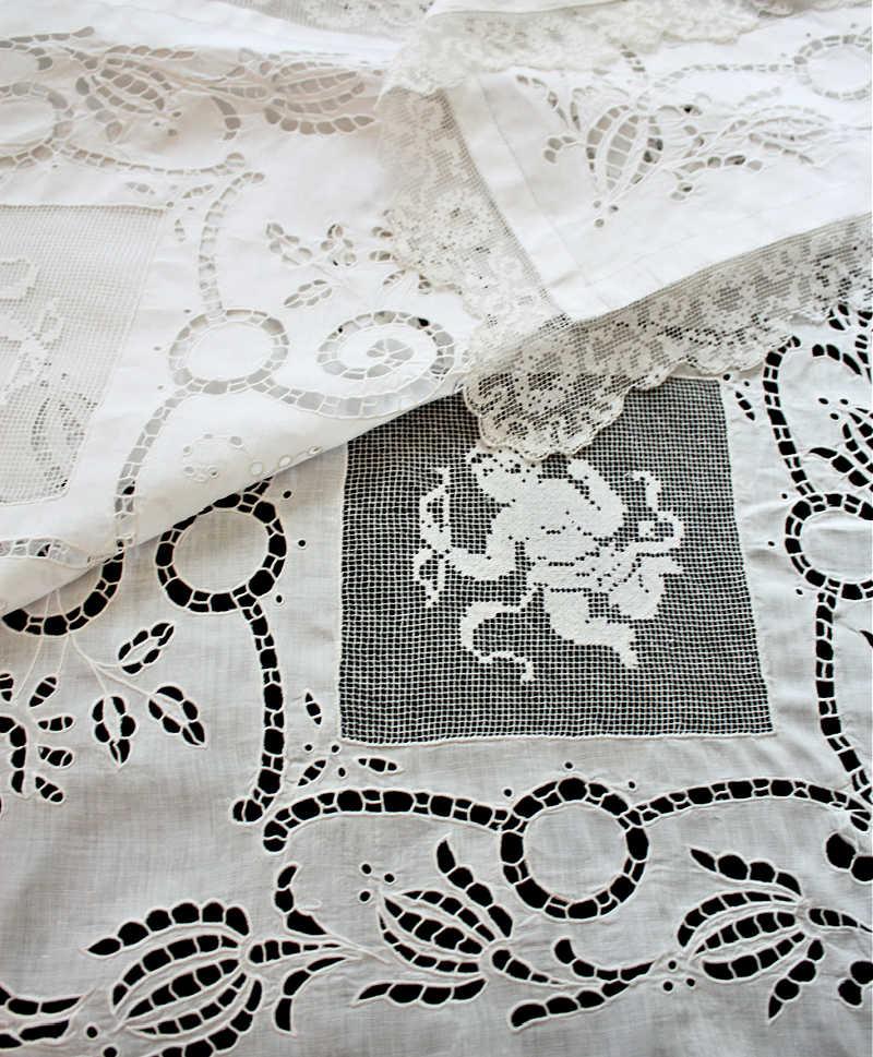 Antique Italian Lace Table Cloth, Milanese Lace, Italian Filet Figural Lace & Point De Venise