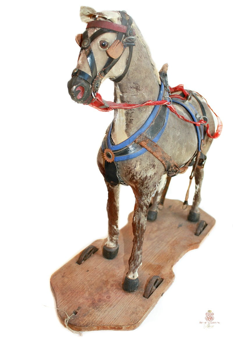 Rare Early Little Horse Pull Toy 19th Century