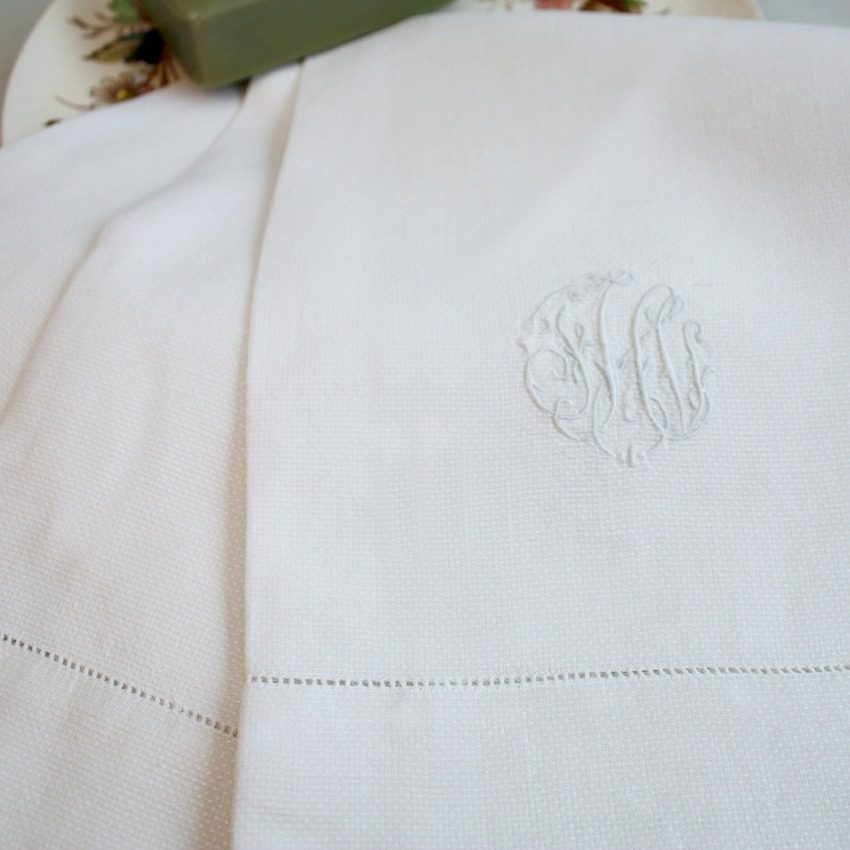 Estate Large Pique White Monogrammed Guest Towel FHI