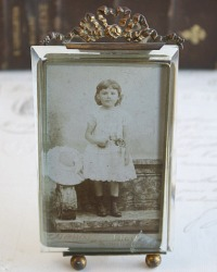 19th Century French Gilt Photograph Frame with Orginal Glass Bow