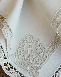 6  Antique Estate Heirloom Lace And Linen Cafe Lait Cream Napkins
