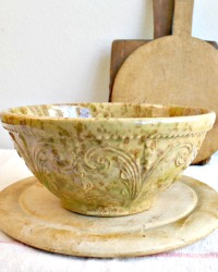 Woodland Glazed Country Yellow Ware Spatter Mixing Bowl