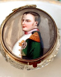Antique Lidded Patch or Snuff Box with Enamel Napoleon Portrait