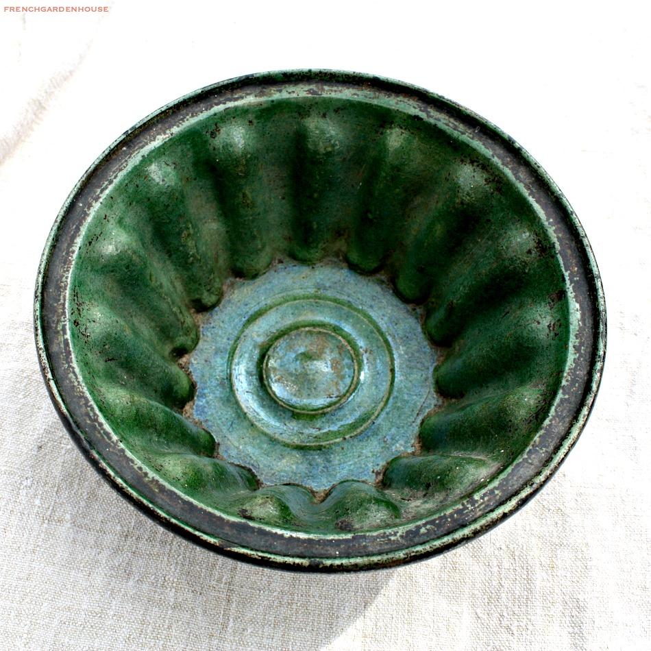 antique french pottery moules a gateau. Black Bedroom Furniture Sets. Home Design Ideas