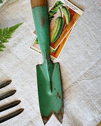 Vintage Gardening Hand Tool Garden Weeder Trowel