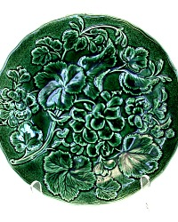 19th Century French Faience Dark Green Geranium Blossom Leaf Plate