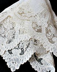 19th Century Belgian Handmade Applique Application Princess Needle Lace Handkerchief