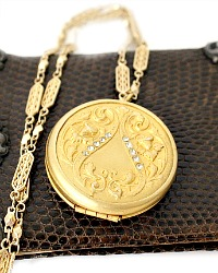 Antique Estate Art Nouveau Paste Round Locket Necklace