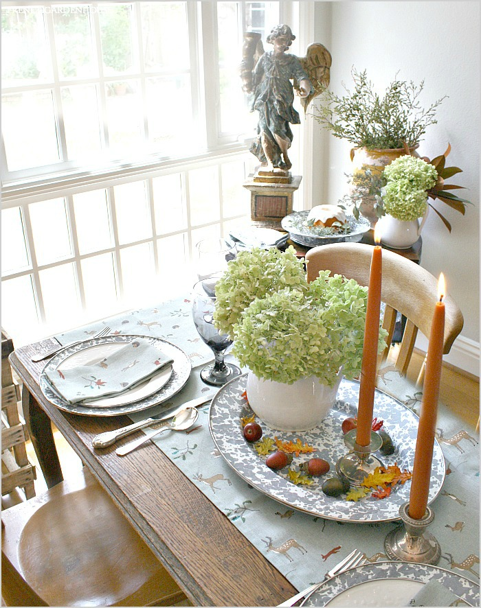 Woodlands Forest Table Runner and Napkin Set