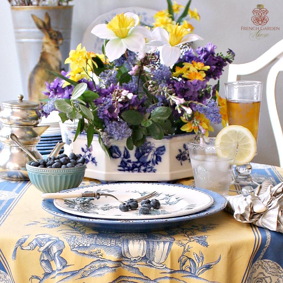 Blue white porcelain rose centerpiece