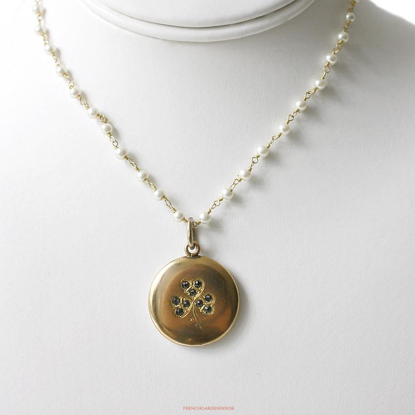 Antique Gold Keepsake Clover Locket Necklace