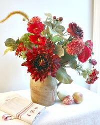 Delightful Dahlia Deluxe Bouquet