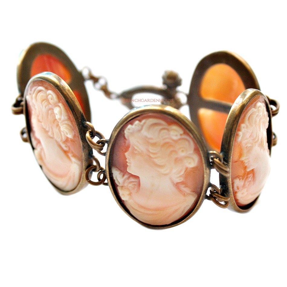 Extasia Hand Carved Italian Shell Cameo Bracelet