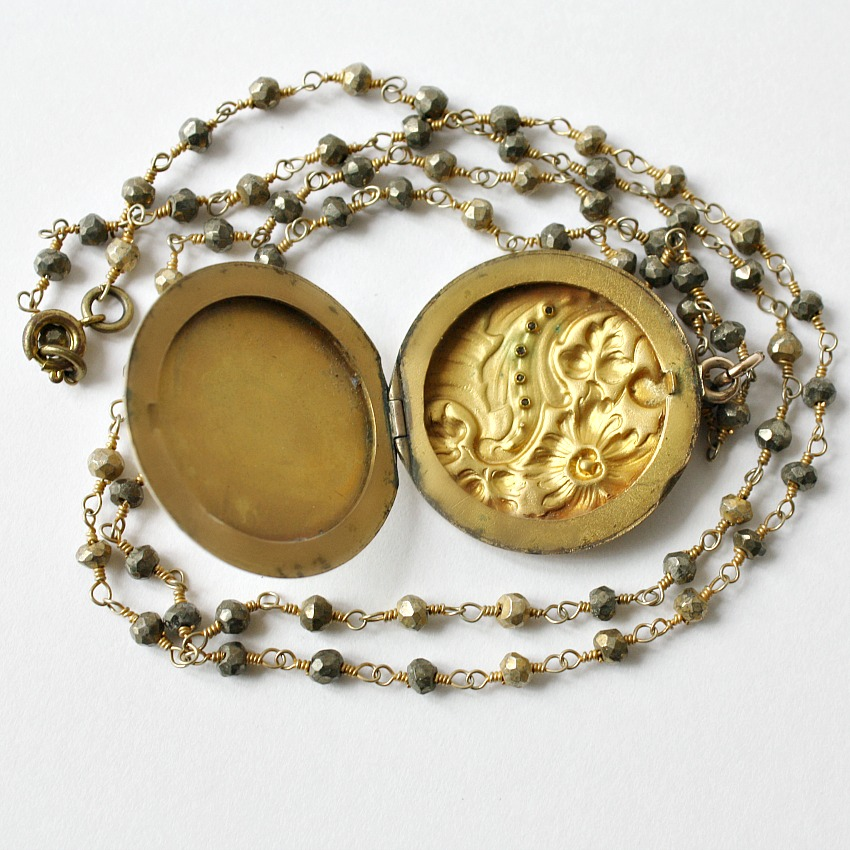 Antique Edwardian Round Floral Locket Necklace