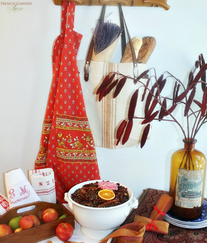 French Country Provence Traditional Autumn Apron