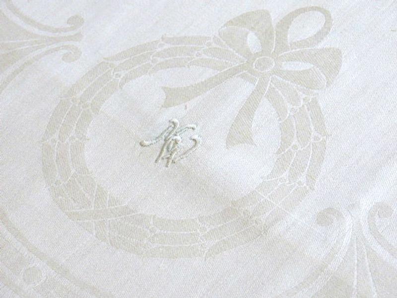 Antique Estate Luxury Exclusif Linen Damask Towel Figural Cherub