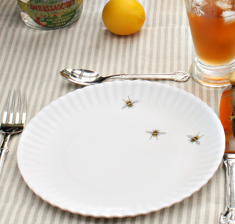 Bee Our Guest White Dinner Plate Set of 4