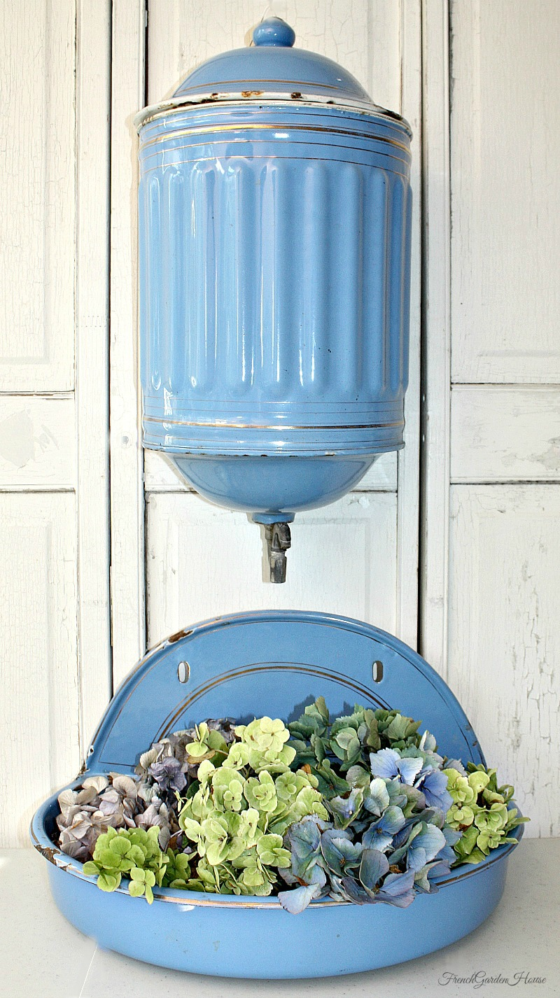 antique french blue enamelware hanging wash basin lavabo. Black Bedroom Furniture Sets. Home Design Ideas