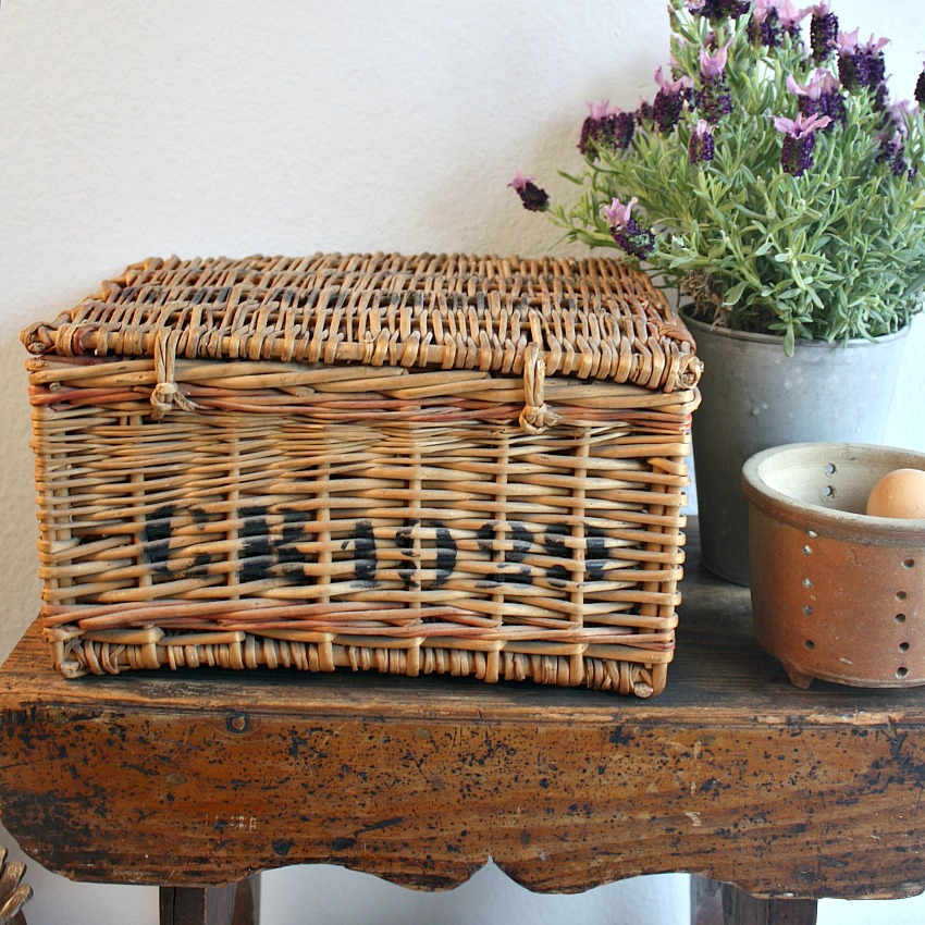 1929 French Champagne Advertising Basket