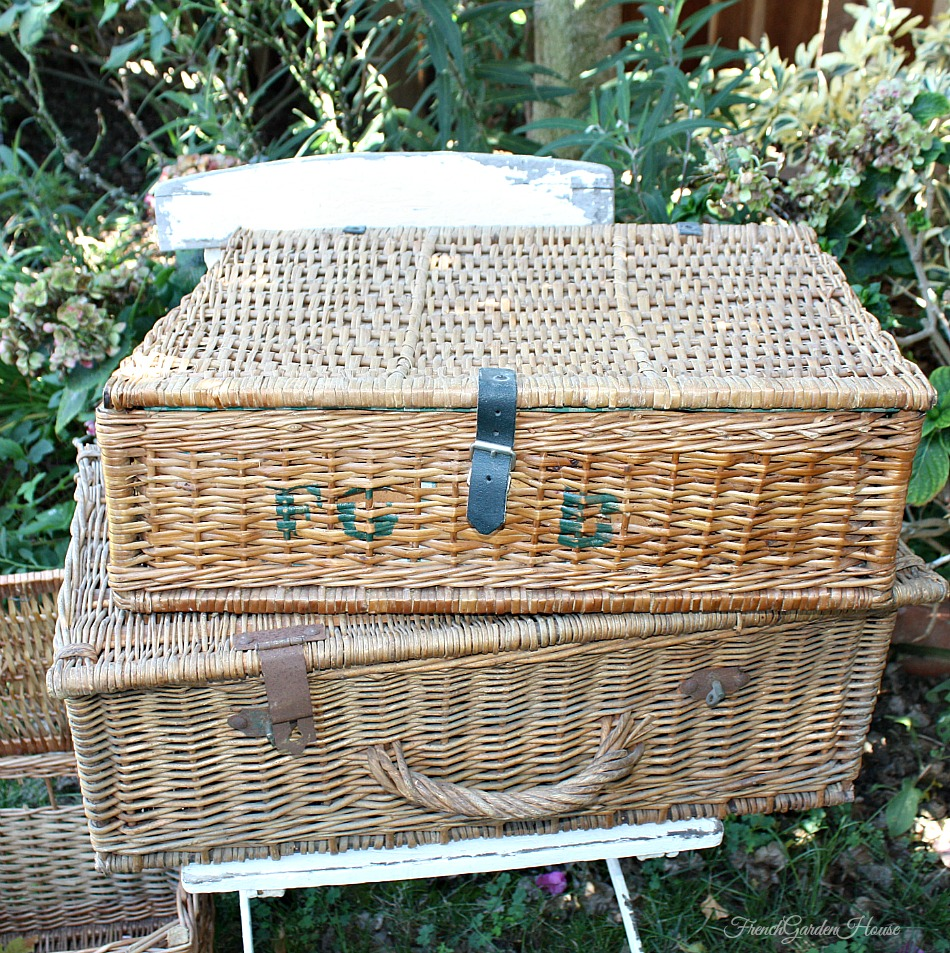vintage french picnic storage basket with lid f g b. Black Bedroom Furniture Sets. Home Design Ideas