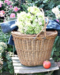 Vintage French Market Picnic Storage Basket with Lid
