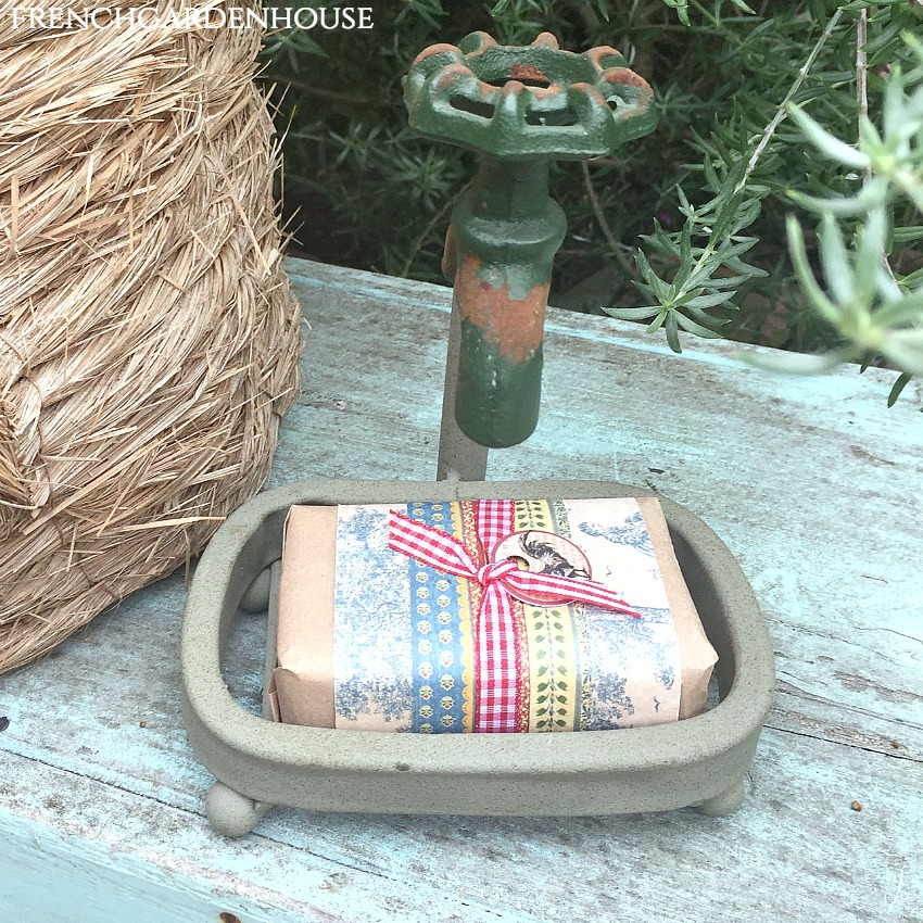 Gardener's Soap Dish and Organic Soap Gift Set