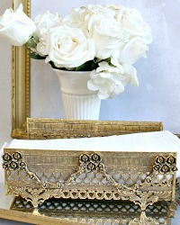 Vintage Gold Plated Rose Garland Filigree Guest Towel Holder