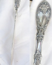 Antique La Vigne Silver Plated Master Butter Knife Rogers 1881 Grapes