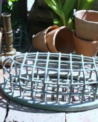 Large Vintage Oval Dazey Flower Frog