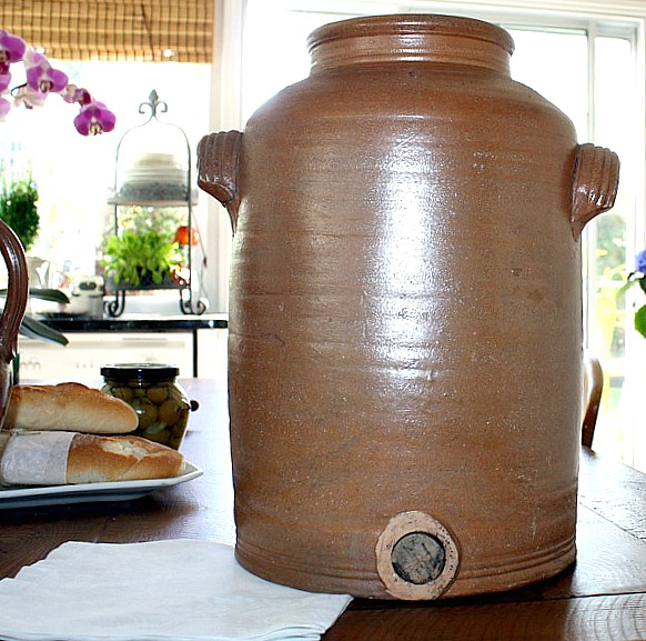 Antique French Country Vinegar Pot en Gres