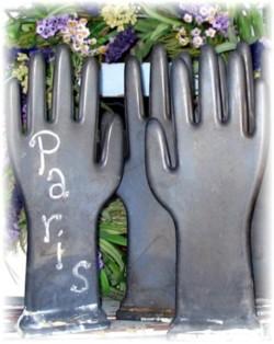 Vintage Shabby Glove Mold