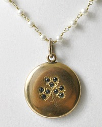 Antique Gold Keepsake Clover Locket Necklace