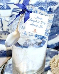 Luxury French Lavande et Fleur Bath Ice with Silver Spoon