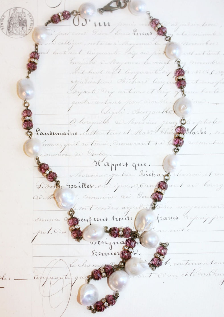 Classic Baroque Pearl Necklace with Amethyst Crystals