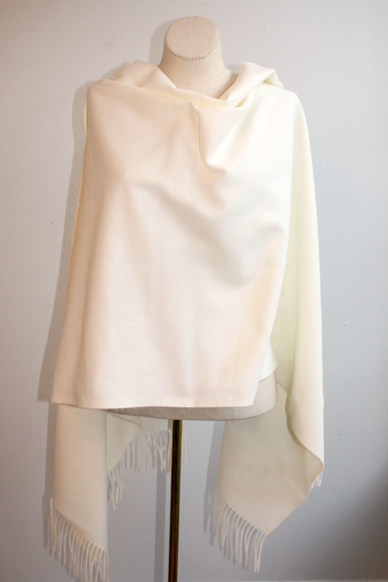 Luxurious Cashmere Wrap Cream Beurre