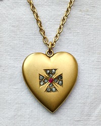 Estate Antique Heart Locket Gold Maltese Cross
