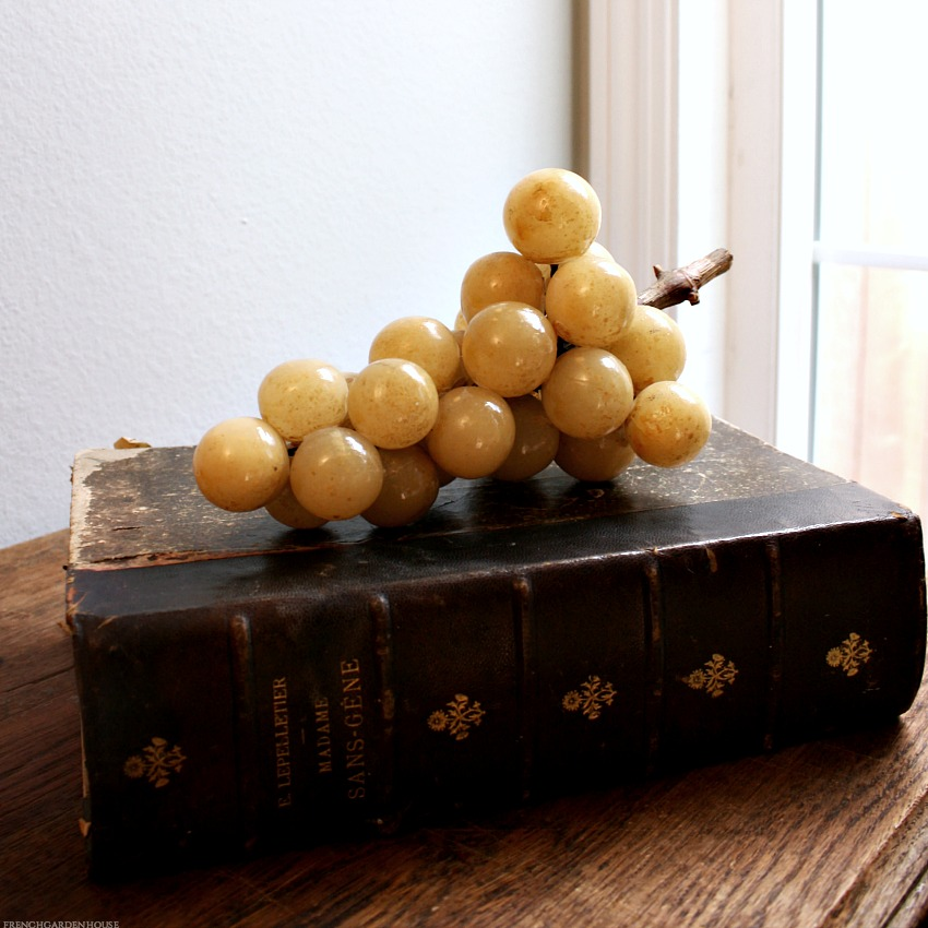 Decorative Italian Sculpture  Alabaster Golden Luster Grapes