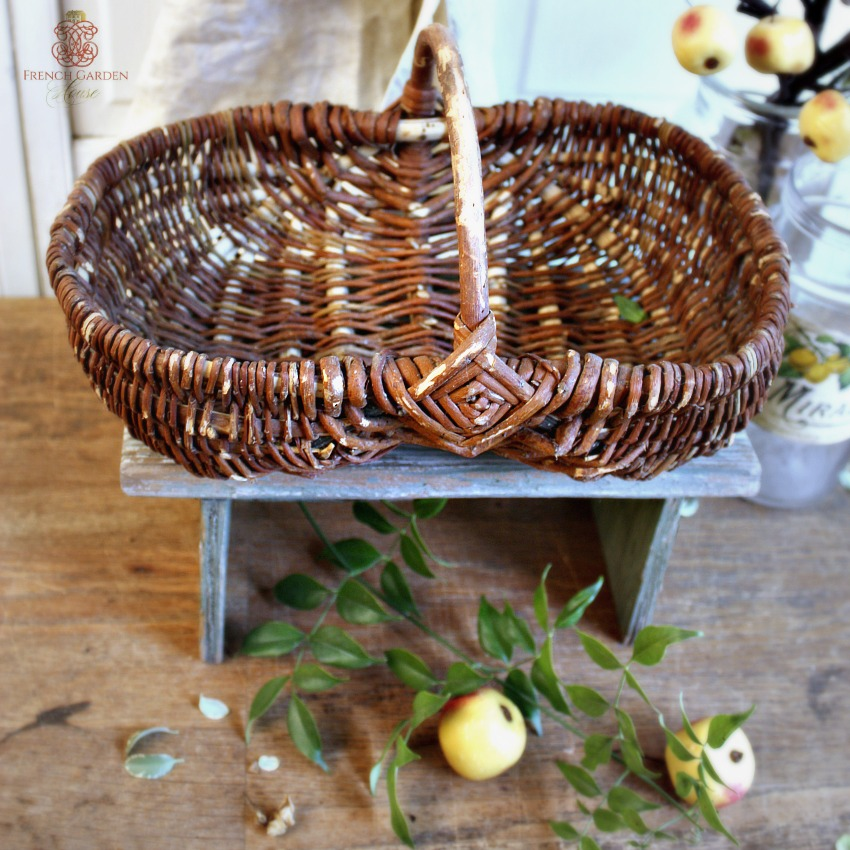 French Country Small Harvesting Basket